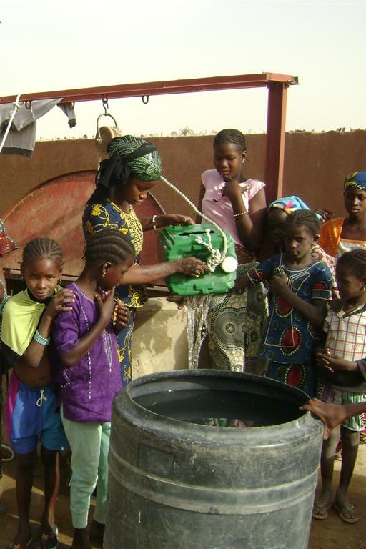 Blog 4 – L'année 2014 au village et la politique en avril 2015