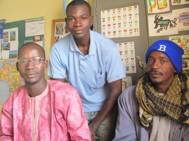 directeur-mamadou-dialo-en-leerkrachten-adama-govanle-sekou-kasse