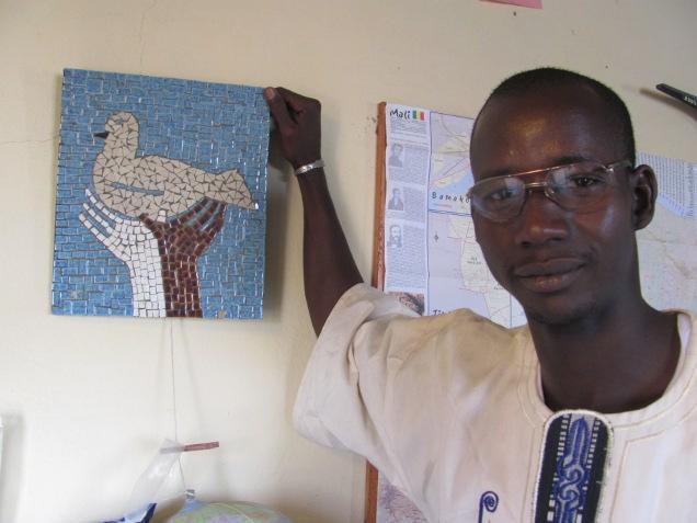 sekou-kasse-ook-verantwoordelijk-voor-de-communicatie-tussen-dorpelingen-en-stichting